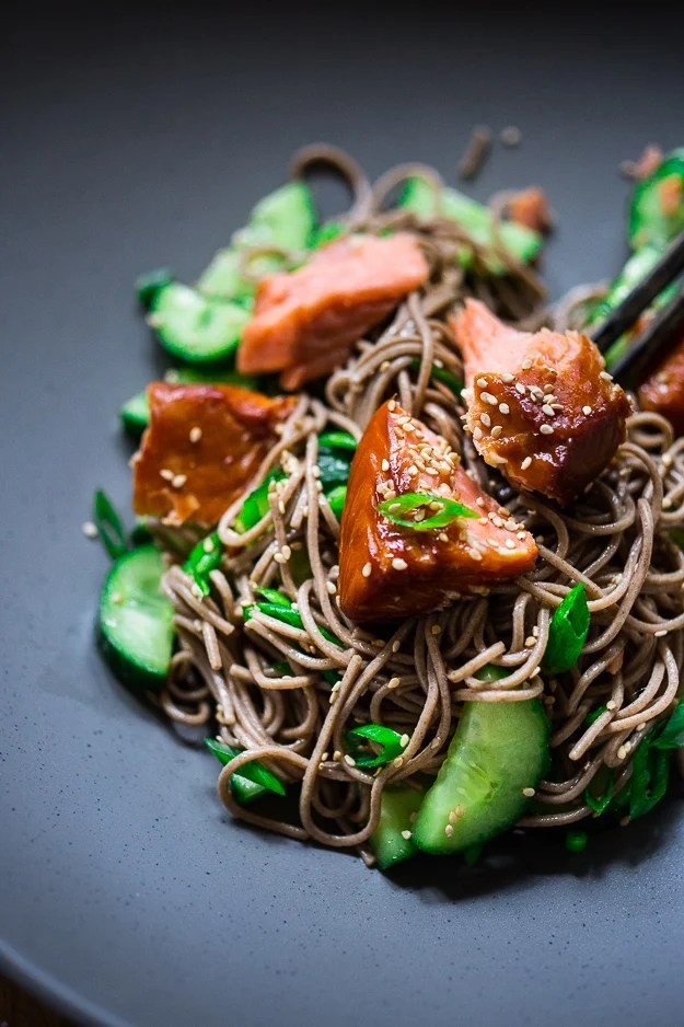 Sesame Soba Noodle Salad with Smoked Salmon, scallions and cucumber...a simple healthy meal! | www.feastingathome.com