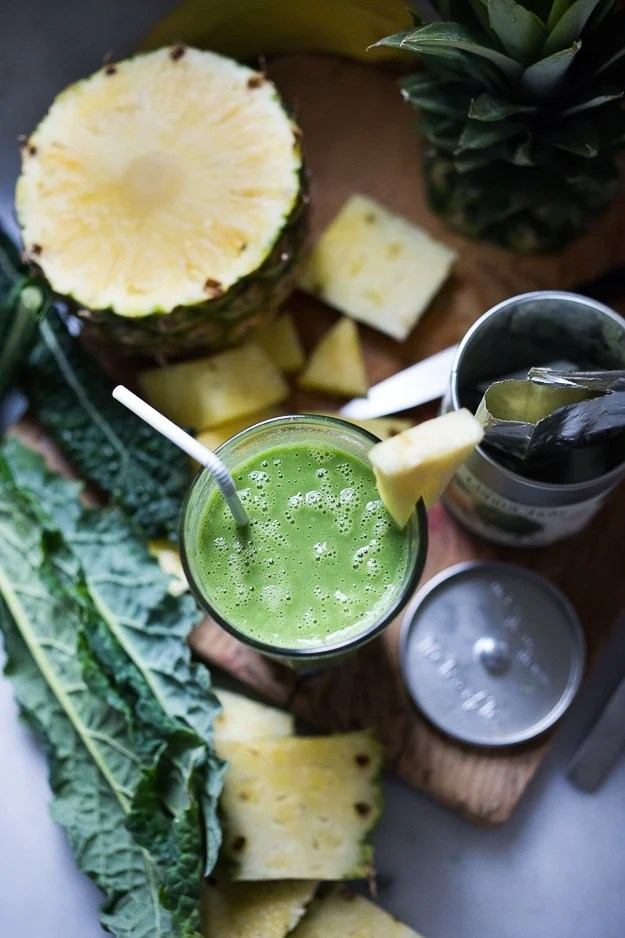Matcha Pineapple Smoothie with Kale- An instant mood lifter and energizing drink full of healthy antioxidants! | www.feastingathome.com