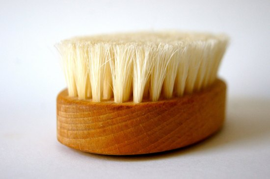 Dry Brushing for Improved Energy and a Clear Mind 2 | Feasting On Joy