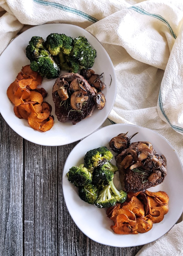 A delicious meal of Pan Seared Steak Tenderloin & Wine Glazed Mushrooms can be yours any night of the with this super simple recipe, featuring the fabulous subscription service, ButcherBox. #steak #datenight #easyrecipe #butcherbox | FeastInThyme.com