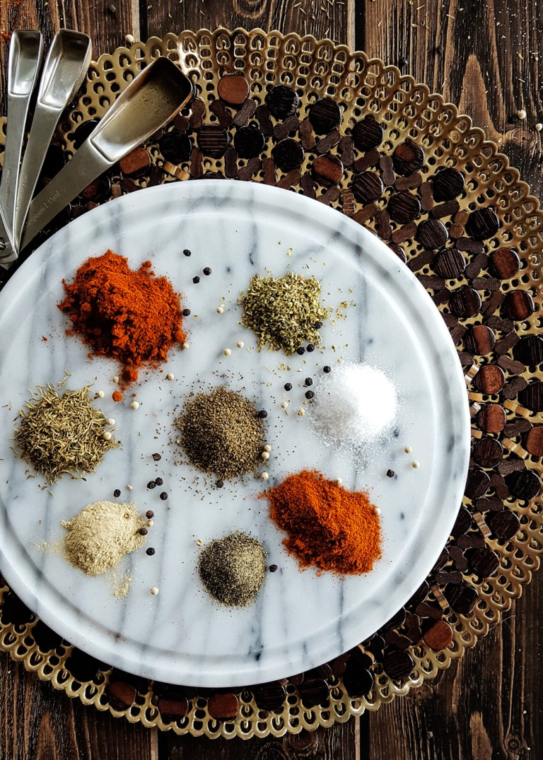 Make your own #LowFODMAP Cajun Seasoning at home with this #easyrecipe! Enjoy all the flavor of classic #Creole cooking without the onion and garlic (#FODMAP Friendly & #GlutenFree). #cajun #spiceblends #gf #homemade | FeastInThyme.com