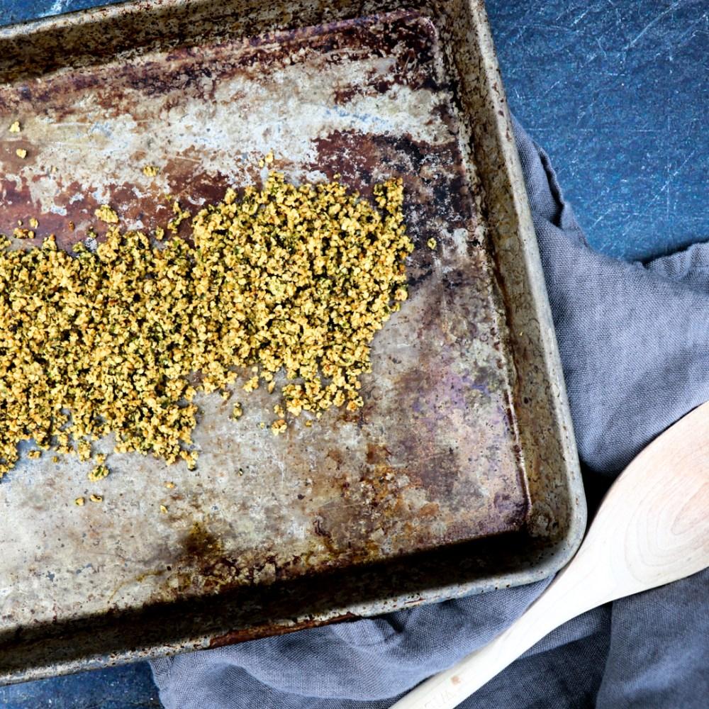 roasted cauliflower topped with crunchy herbed hemp seeds // feastofgreen.com