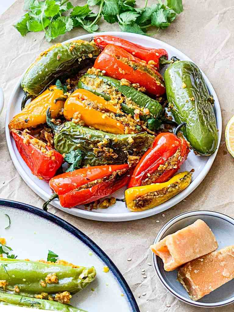 Stuffed peppers with roasted chickpea flour.