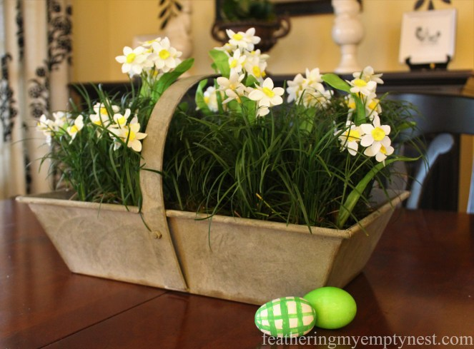 How To Make A Live Grass Centerpiece For Your Spring Table --No need to wait for grass to grow!