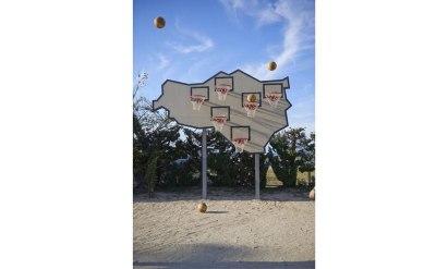 イオベット&ポンズ「勝者はいない─マルチ・バスケットボール」
