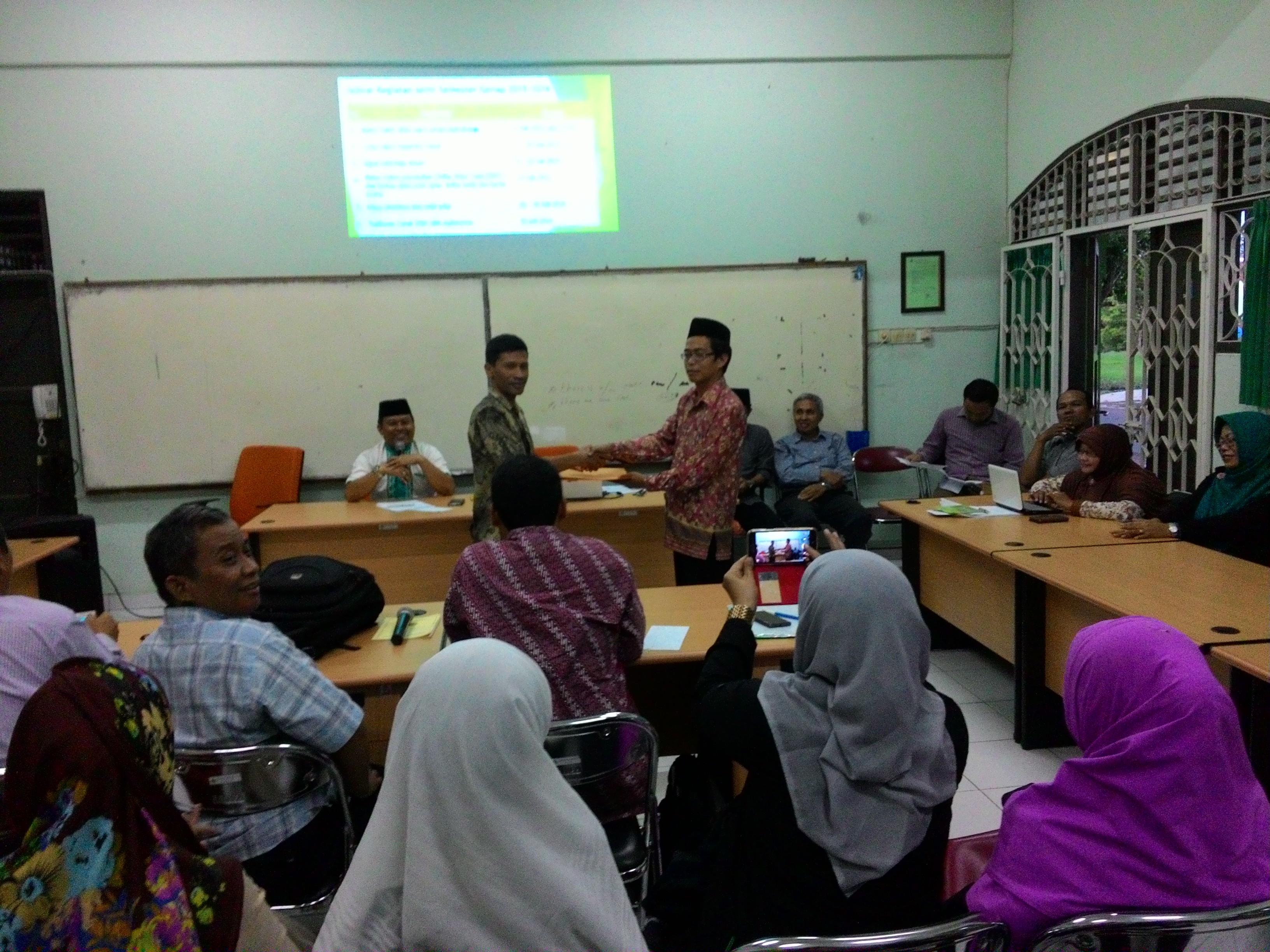 Rapat Evaluasi Dosen dan Buka Bersama Civitas Akademika FEBI