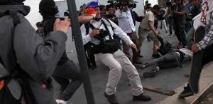 www.google.com.co/search?q=Periodistas+amenazados+y+agredidos+por+manifestantes