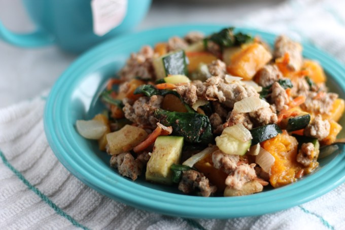 Turkey Apple Breakfast Hash - a protein and veggie-packed breakfast that is a little sweet, a little savory, and totally AIP and paleo-friendly! | fedandfulfilled.com