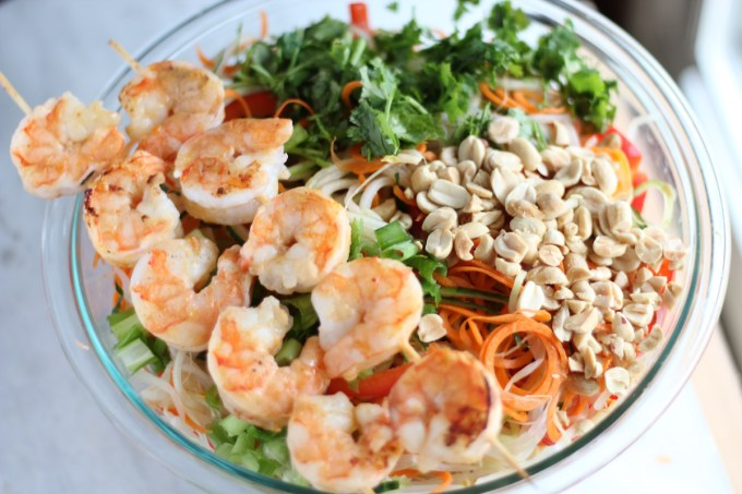 Pad Thai Salad with Grilled Shrimp - a healthy, refreshing main dish salad with the flavors of Pad Thai! | fedandfulfilled.com