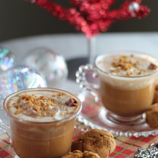 Paleo Gingerbread Lattes - a classic Christmas coffee drink is given a Paleo twist thanks to creamy coconut milk and a hint of raw honey. SO good! | fedandfulfilled.com