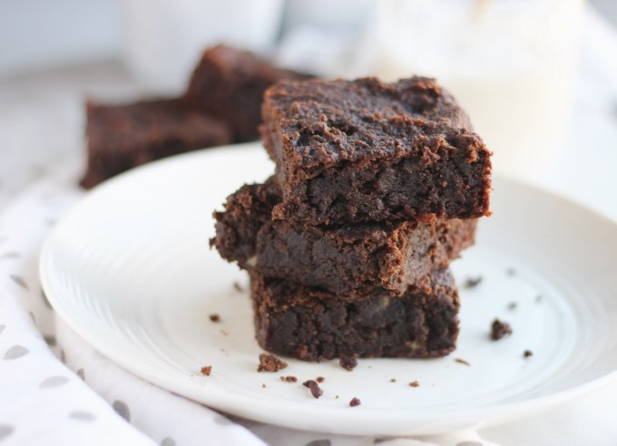 AIP Carob Banana Brownies (Paleo) - moist, dense, fudgy carob brownies are made egg-free thanks to ripe bananas and coconut butter! | fedandfulfilled.com