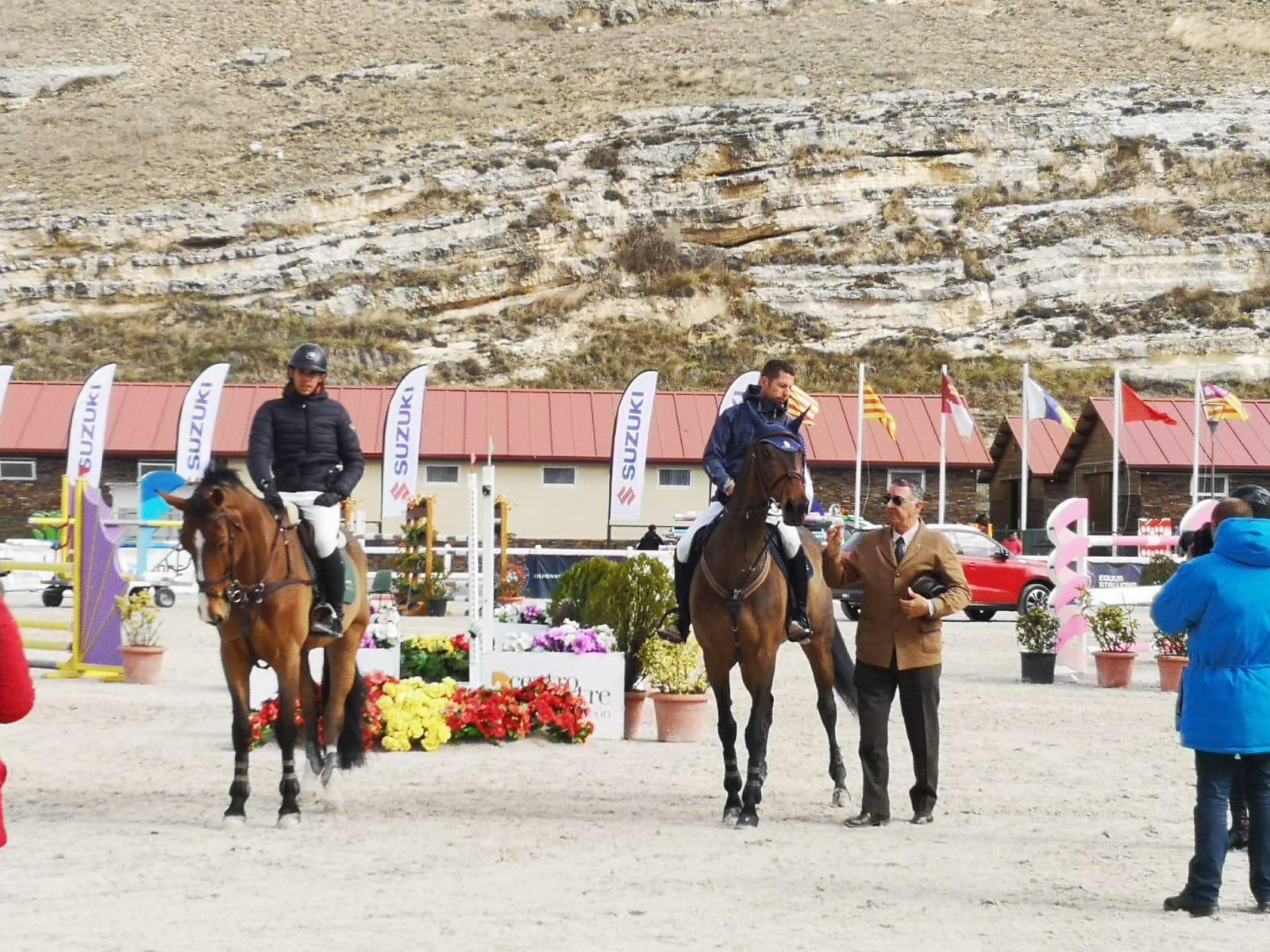 Participación de jinetes y amazonas cántabros en el CSN3* celebrado en Segovia