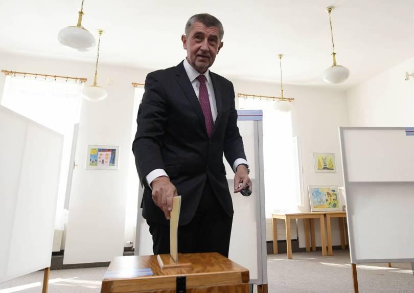 Czech Republic Elections 58736 - Conservative opposition party wins Czech Senate election