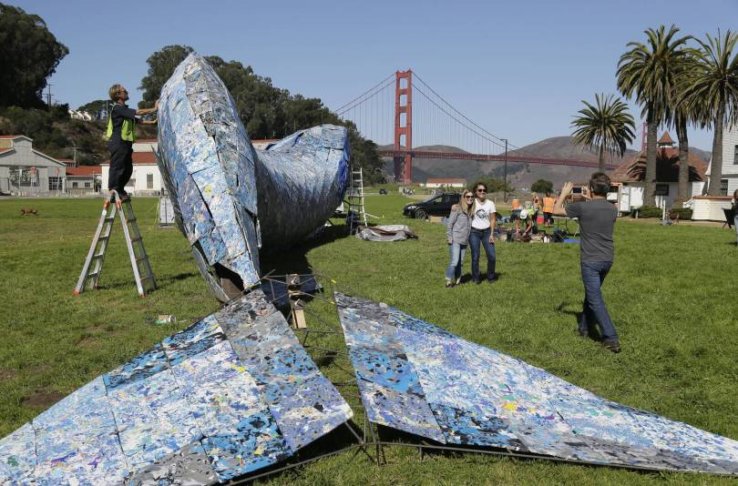 Life Sized Whale Sculpture 46386 - Life-sized plastic whale to raise ocean pollution awareness
