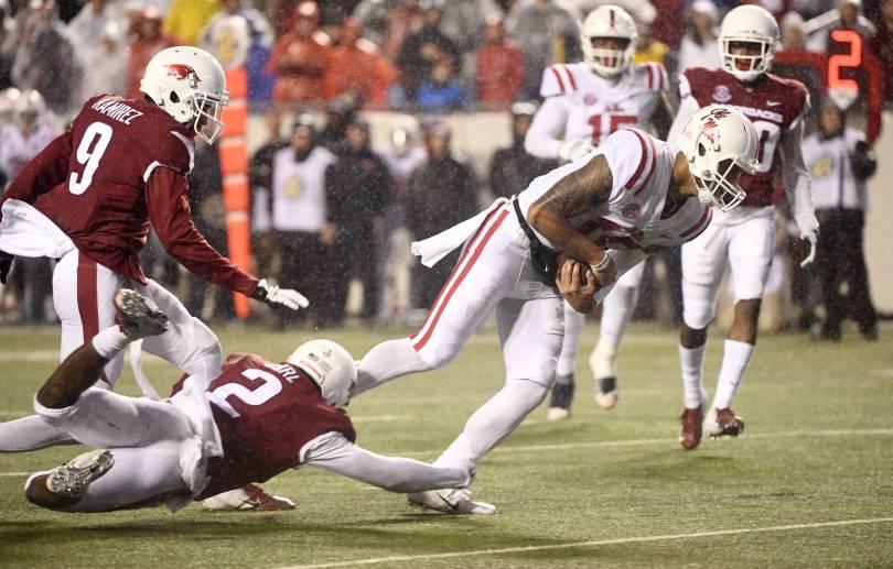 Mississippi Arkansas Football 24925 - Ta'amu's 528 yards leads Ole Miss to comeback over Arkansas