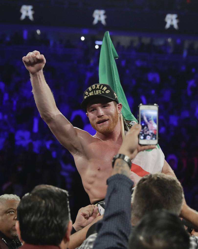 Canelo Golovkin Boxing 97991 - Alvarez wins narrow decision for middleweight title