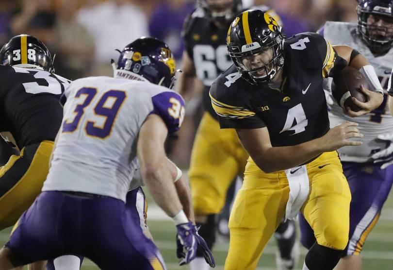 N Iowa Iowa Football 33559 - Iowa moves to 3-0 with 38-14 win over Northern Iowa