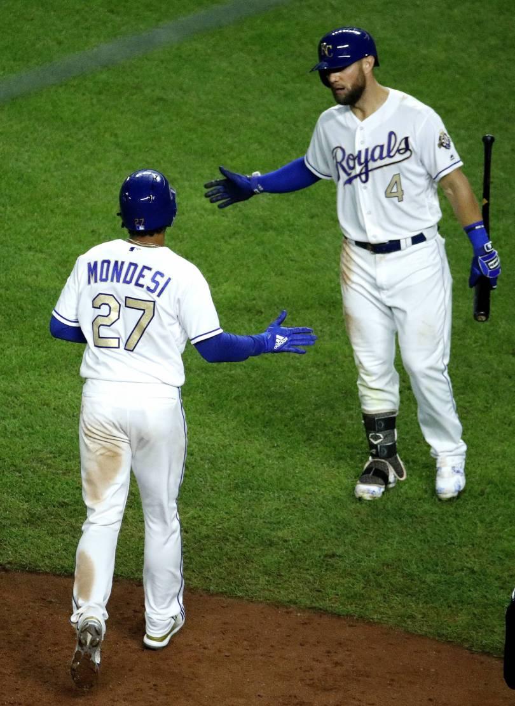 Twins Royals Baseball 56559 - Perez hits game-ending slam as Royals beat Twins 8-4