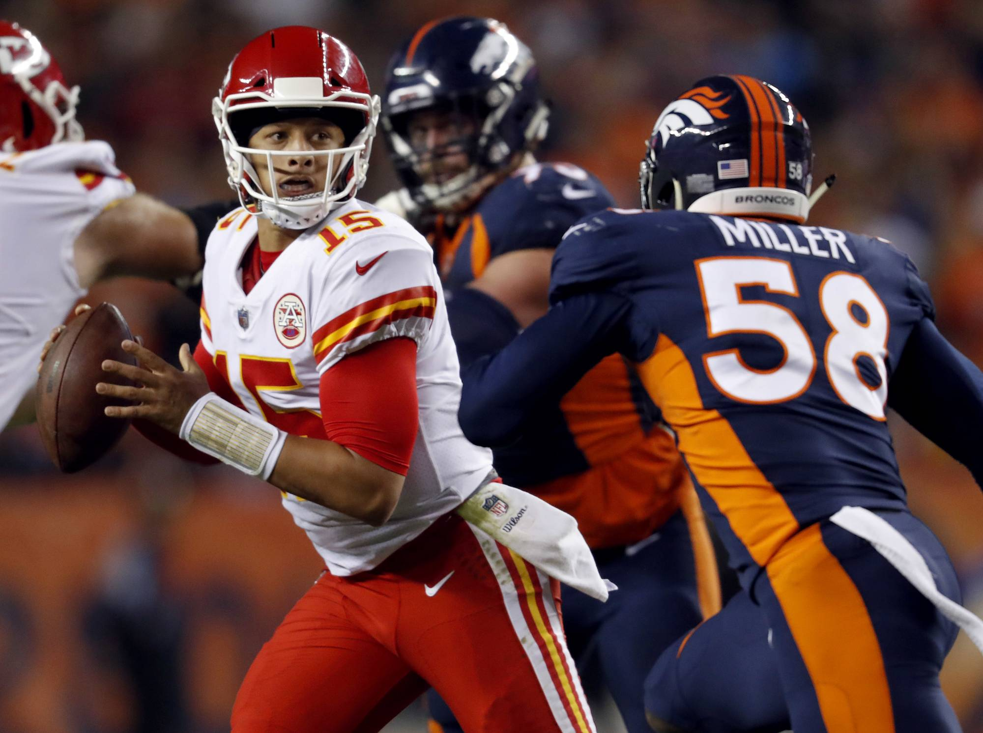 Chiefs show complete team in lopsided win over Jags