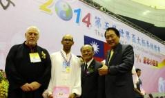 Jean-Richard Grondin médaille d'or Taichi Chuan CMC 37pas à Taipei Arena 台北小