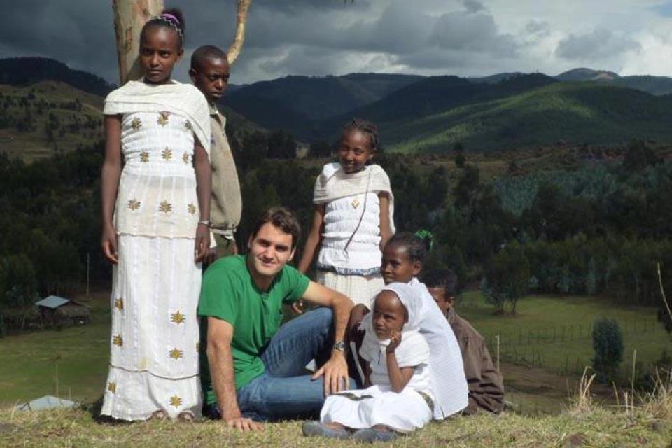 federer_2013_southafrica_RF_foundation_01