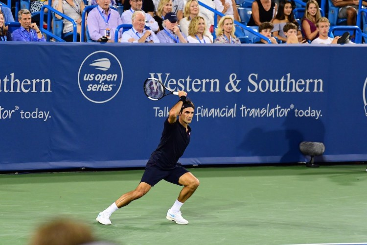 Federer Fights Past Wawrinka into Cincinnati Masters Semifinals