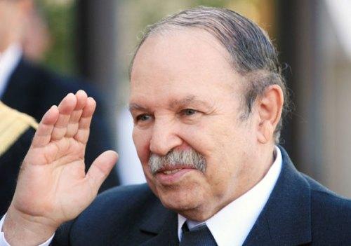 Abdelaziz Buteflika es el presidente de Argelia desde 1999. Buteflika gobierna desde hace casi 16 años, y le tocó mandar durante el cierre de la guerra civil argelina. Su gestión es duramente criticada por su fracaso en solucionar el grave problema de desempleo y corrupción que afecta a su país.