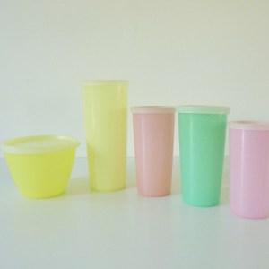 Tupperware pastel