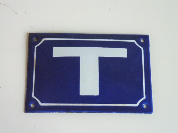 Plaque émaillée Lettre T