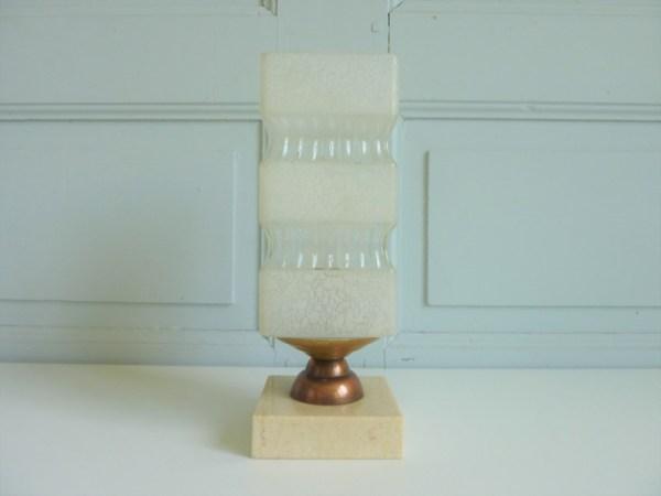 lampe à poser socle marbre abat-jour verre dépoli et translucide