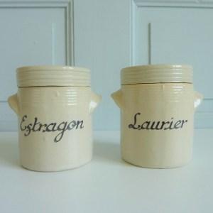 2 pots à épices en Grès