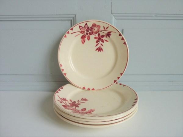 Assiettes plates décor fleurs bordeaux Demi porcelaine Badonviller France