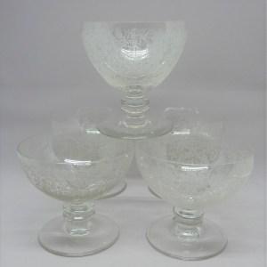 Coupes ancienne à champagne cristal gravé Baccarat France
