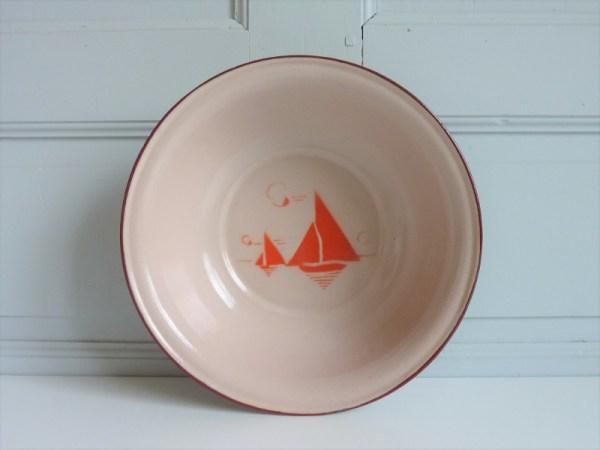 bassine émaillée vintage motifs voiliers
