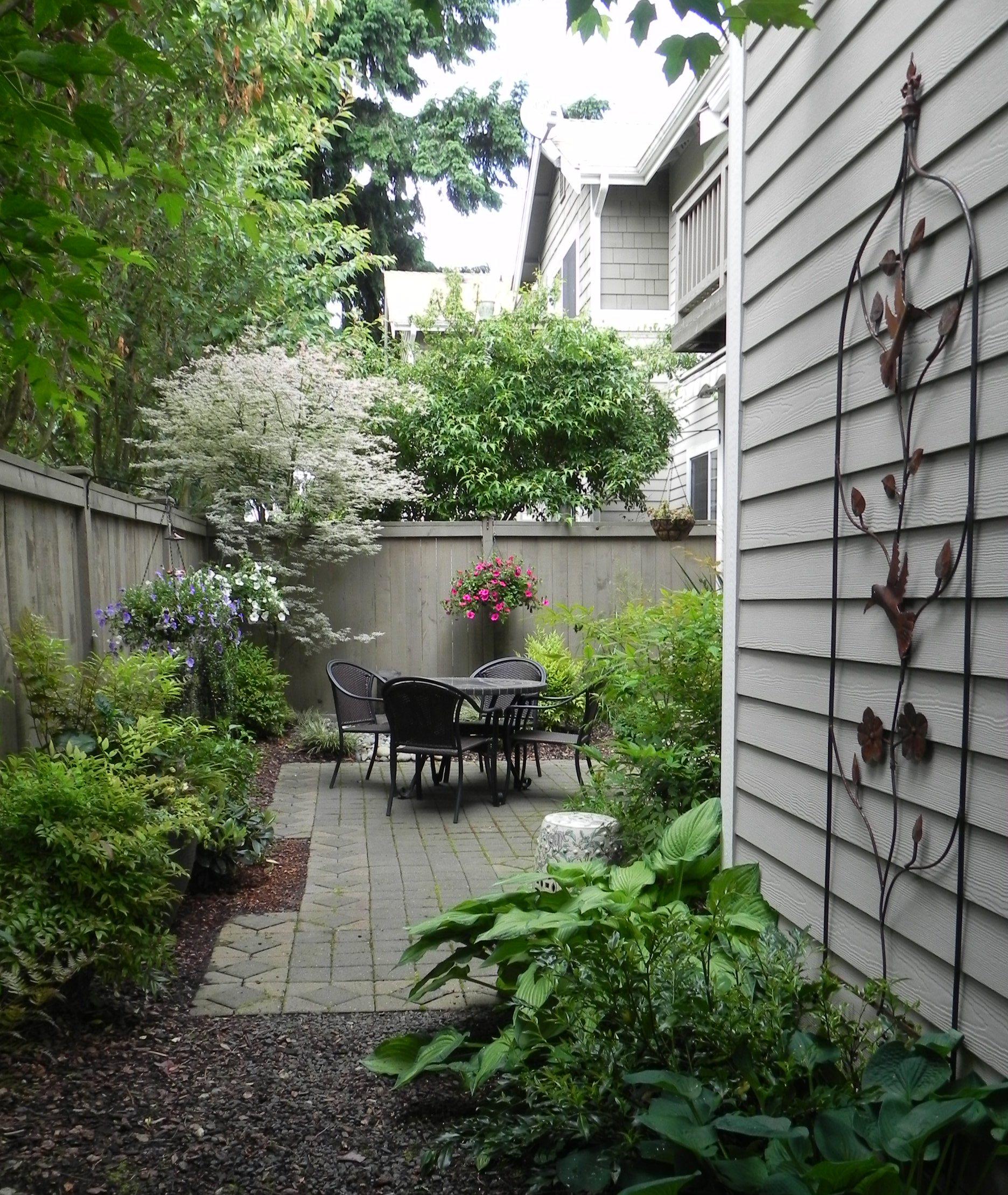 Front Lawn Decor Ideas