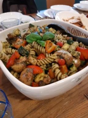 Altijd lekker en makkelijk: een pastasalade met gegrillde groenten.