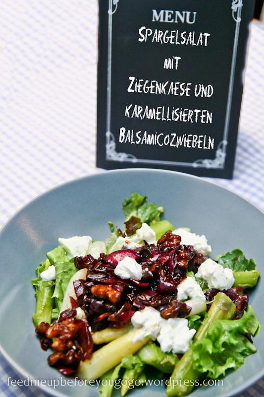 Spargelsalat mit Ziegenkäse und karamellisierten Balsamicozwiebeln Rezept