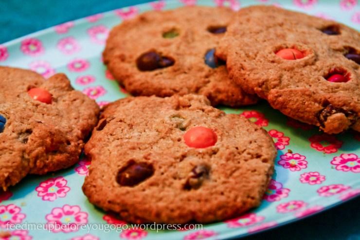 Cookies mit M&Ms und Haferflocken