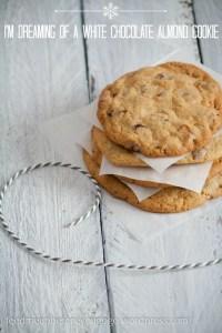 Cookies mit weißer Schokolade und Mandeln