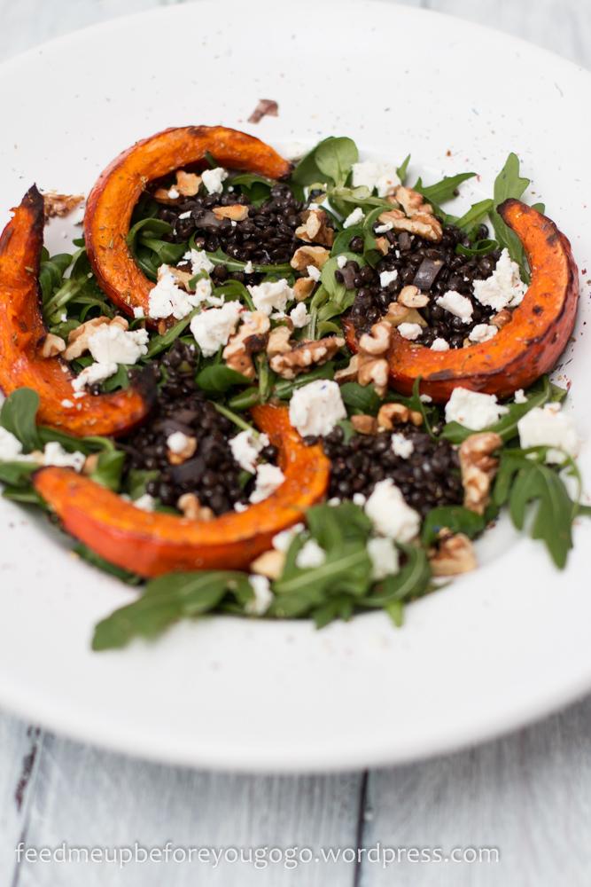 Salat mit Belugalinsen, Ofenkürbis, Schafskäse und Orangendressing-2