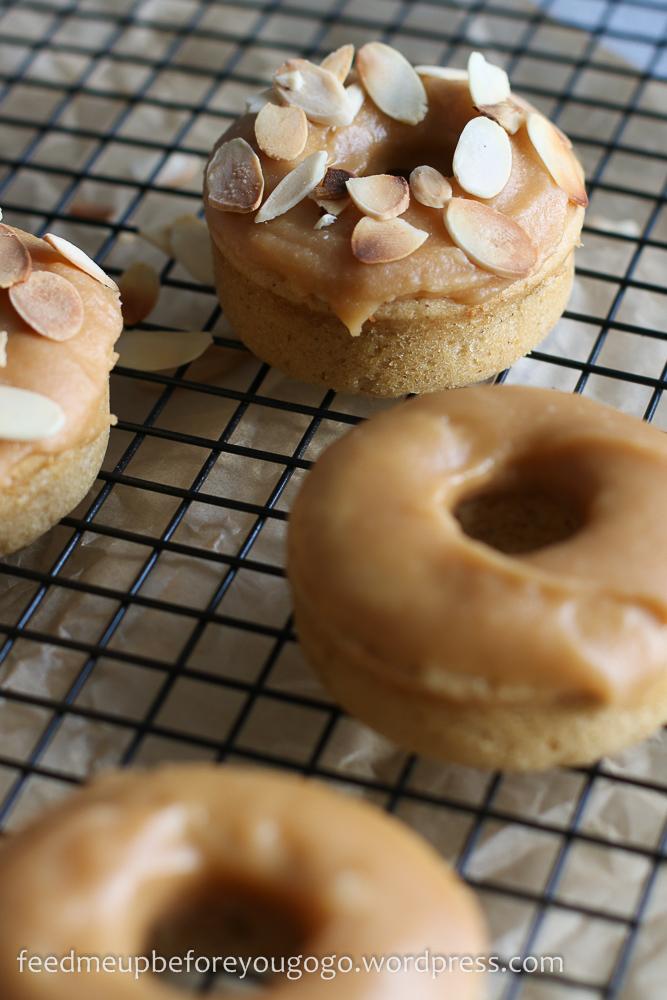 Dulce de leche Donuts mit gerösteten Mandeln Rezept-3