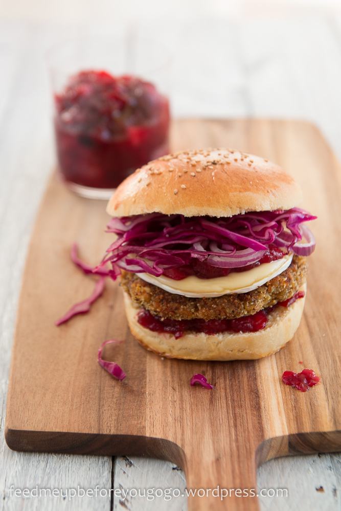 Vegetarischer Winterburger Kürbis-Maronen-Patty Cranberry-Chutney Camembert Rezept Feed me up before you go-go-2