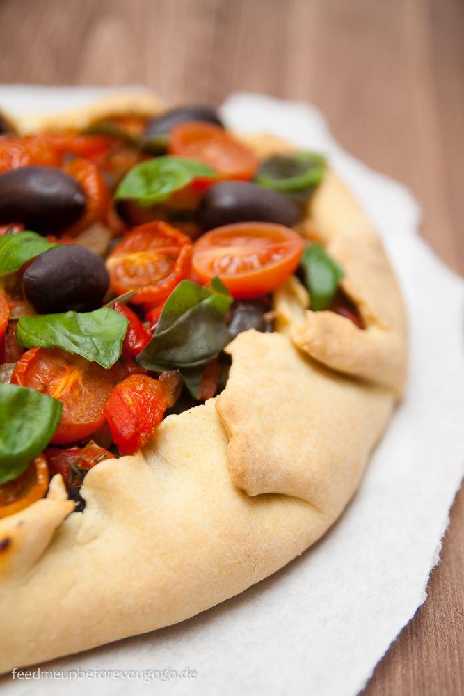 Auberginen-Tomaten-Pie_Rezept Feed me up before you go-go-2