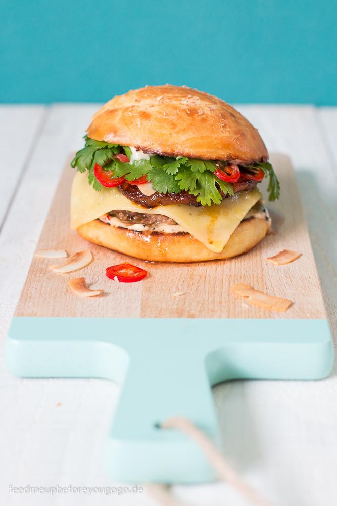 Big Hahuna Burger mit gebratener Ananas und Kokos-Chili-Mayo Rezept Feed me up before you go-go-3