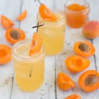Aprikose-Mandarine-Lavendel-Mocktail