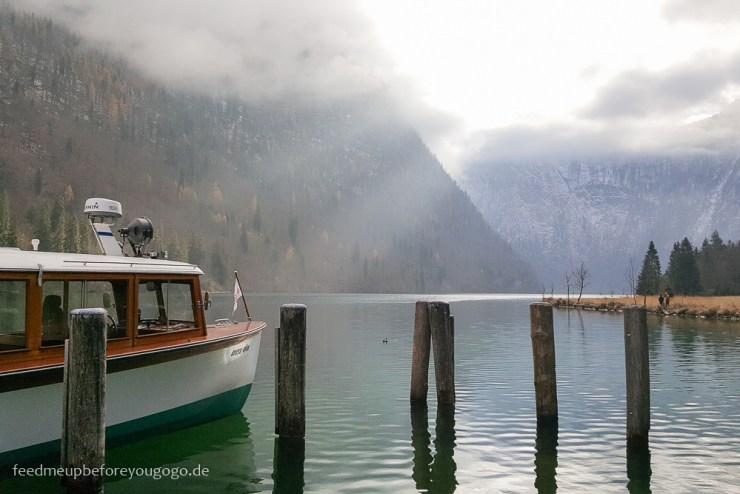 Bootsfahrt auf Königssee Insel St. Bartholomä Winter im Berchtesgadener Land