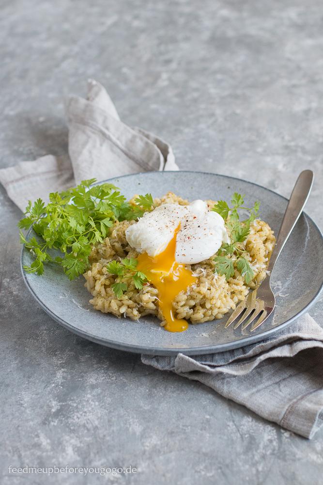 Kerbel-Zitronen-Risotto mit pochiertem Ei Rezept