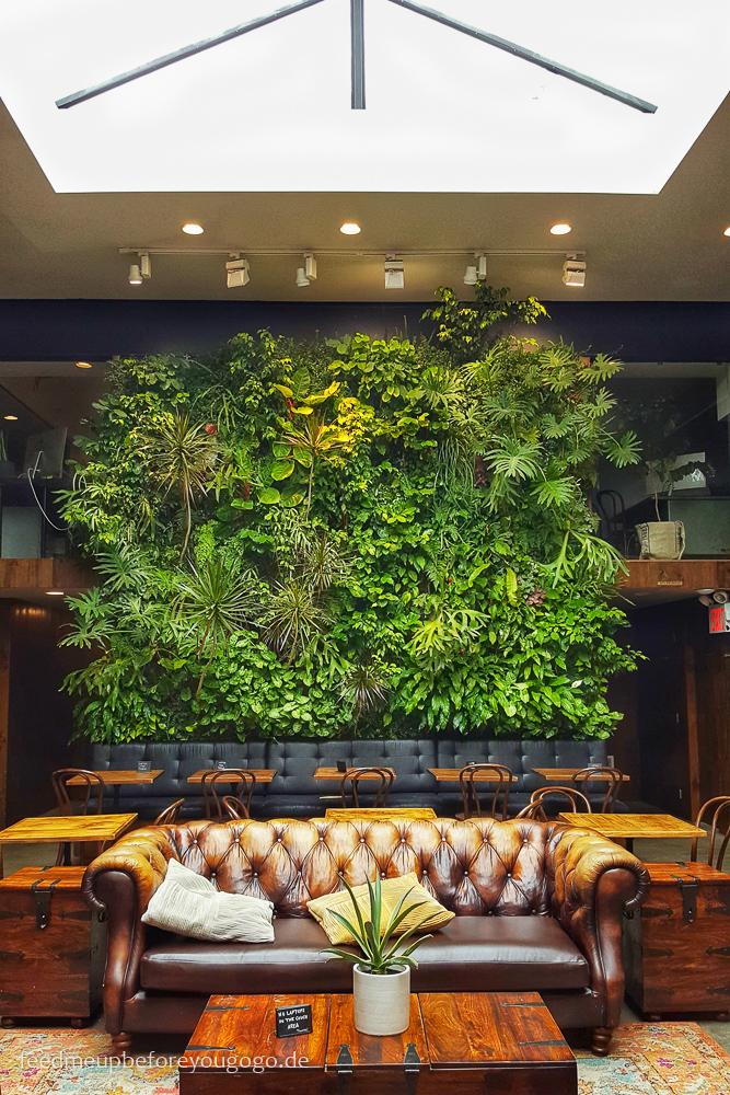 Devoción Coffeeshop Urban Jungle Williamsburg Brooklyn New York