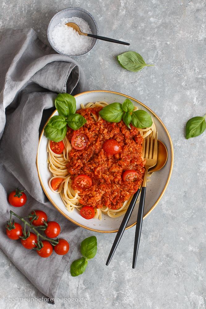 Pasta mit veganer Bolognese mit Blumenkohl und Linsen Rezept