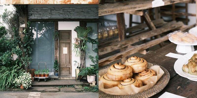 嘉義 小花麵包店 每周營業兩天,看了買了吃了都心情好的麵包店